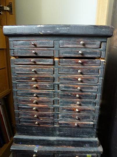 Coin des affaires layette horloger for Petit meuble avec tiroir